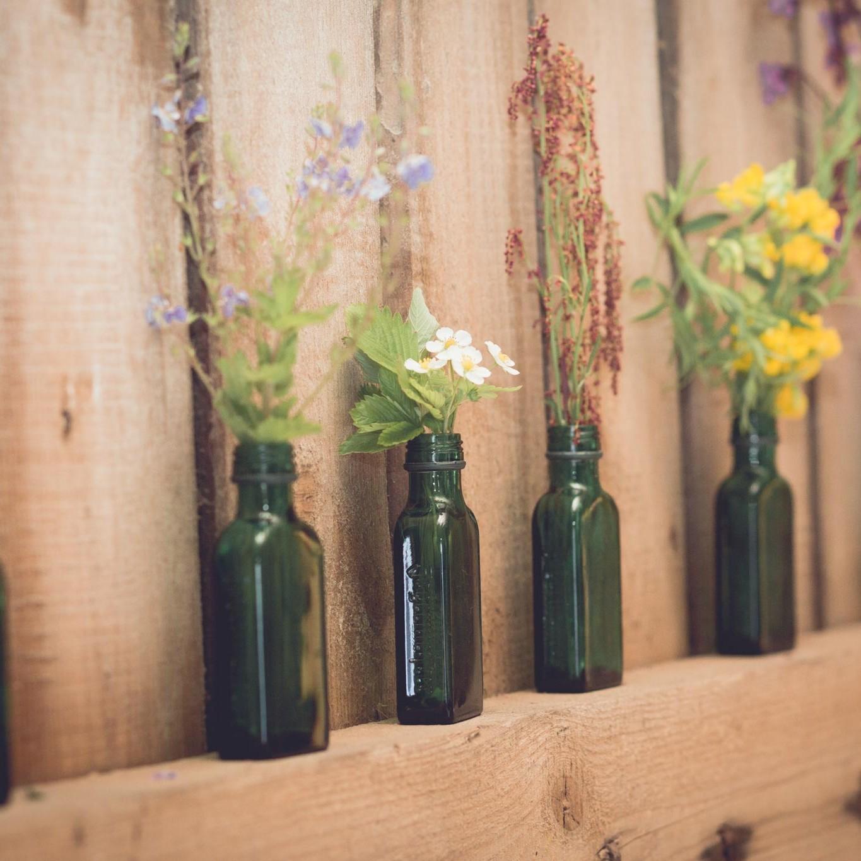 Herkät kukka-asetelmat Marttilan Tinkissä